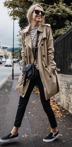 casual style addiction / camel coat + black jeans