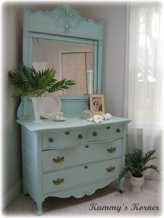I love this color!  Take a looksee at the before-picture -- whoa nelly, what a difference!