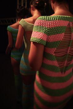 Helen Rödel. Lo necesito, y es verde y rosa!!!!