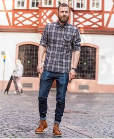 Moc Toe Boots Men, New Outfits, Cool Outfits, Fashion Boots, Fashion Outfits, Mens Style Guide, Latest Mens Fashion, Men Looks, Fall Winter Outfits
