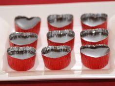 sjokoladekonfekt Edible Gifts, Mini Cupcakes, Muffin, Birthdays, Food And Drink, Make It Yourself, Homemade, Baking, Breakfast