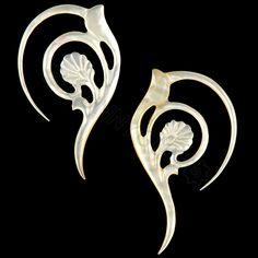 10G Pair Mother of Pearl Flow Organic Hand Carved Gauged Plugs Body Piercing Jewelry Earrings 10 gauge.