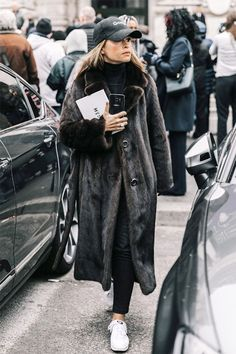 Fashion collage outfits coats 21 Ideas for 2019 Schwarzer Mantel Outfit, Outfits With Hats, Cool Outfits, Paris Street Fashion, Collage Outfits, Fashion Collage, Look Street Style, Inspiration Mode, Fashion Inspiration
