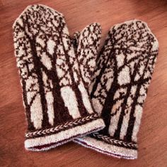 "Love these mittens. ""Deep in the Forest Mittens. Pattern available on Ravelry. Mittens Pattern, Knit Mittens, Knitted Gloves, Knitting Socks, Hand Knitting, Knitting Charts, Knitting Patterns, Crochet Patterns, Wrist Warmers"