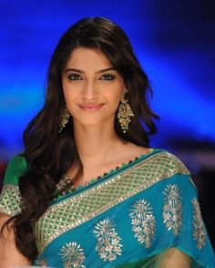 She's the best. #SonamKapoor