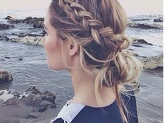 I couldn't tell you what I was doing during recess when all my girlfriends were busy braiding each other's hair, but I totally regret it now because I am completely plait-handicapped. And just like everything else in our lives, as you grow older, the braids just get more complicated. Fishtail.