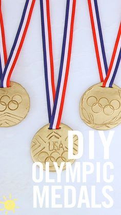 Get into the Olympic spirit with these super cool easy to make gold medals…this DIY was calling my name