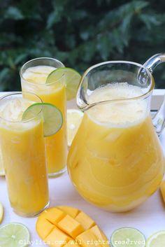 Mango lemonade or limeade – Laylita's Recipes Refreshing Drinks, Summer Drinks, Cocktail Drinks, Cocktails, Healthy Smoothies, Healthy Drinks, Sumo Natural, Mango Lemonade, Lemonade Drink