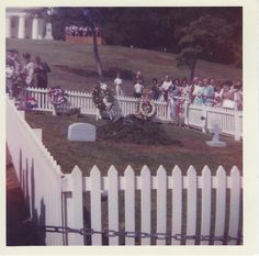 1965 - JFK's Grave ~ It Was Later Moved To Its Permanent Site Jfk, Presidents, Dolores Park, History, Travel, Historia, Viajes, Destinations, Traveling