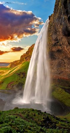 Amazing Waterfall in Iceland - Seljalandsfoss | 9 photos that prove Iceland is the most epic place on Earth