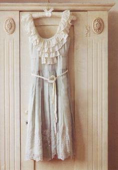 If it looks vintage. Vintage Dresses, Vintage Outfits, Vintage Fashion, Lace Dresses, Wedding Dresses, Pretty Outfits, Pretty Dresses, Ruffle Dress, Dress Skirt
