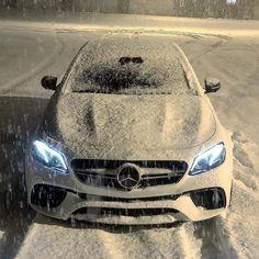"Mercedes Benz AMG & Maybach on Instagram: ""AMG E63s ♠️ • ➡️ AMG HOODIES -> LINK IN @mercedesbenzmaybachfans BIO 👕 _______________________ Photo: @ripemandarin…"""
