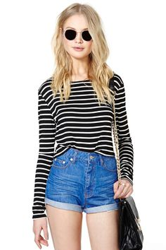 Cross The Line Crop Tee | Shop What's New at Nasty Gal