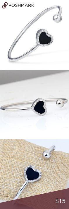 Heart bangle Bracelet new Heart bangle Bracelet new Jewelry Bracelets