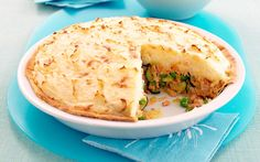 This easy fish pie is packed with canned salmon, leek, bacon and zucchinis and is topped with mashed potato for a delicious, budget family dinner the kids will love! Fishcakes, Fish Pie, Creamy Mash, Potato Pie, Mussels, Prawn, Scallops, Seafood Recipes, Salmon