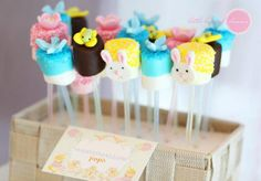Can change the theme to art party by using bright colored melting chocolate or using regular chocolate with bright colored sprinkles. Cute Marshmallows, Marshmallow Dip, Baby Shower Cake Pops, Biscuits, Cute Cookies, Holiday Themes, Art Party, Party Treats, Easter Party