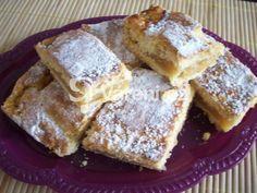 Recept na rychlý koláč k nedělní kávě. Apple Dessert Recipes, Greek Recipes, Apple Pie, A Table, French Toast, Sweet Tooth, Deserts, Food And Drink, Low Carb