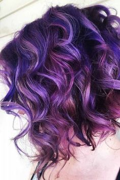 Purple hair color is no longer a dyeing mishap but one of the latest hair trends. Try it out to keep in pace with fashion. You can find your options here. Curly Purple Hair, Dark Purple Hair Color, Violet Hair, Purple Bob, Deep Purple, Pelo Color Vino, Pulp Riot Hair Color, Grunge Hair, Full Weave