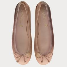 Simples zapatos de novias | comodidad al caminar