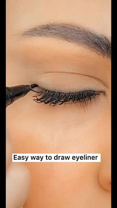 Super easy and fast eyeliner tutorial! With TTDeye best comfortable green contacts, bring you different feelings! hacks for teens girl should know acne eyeliner for hair makeup skincare Makeup Tutorial Eyeliner, Makeup Looks Tutorial, Eyeliner Make-up, Simple Eyeliner, Eyebrow Makeup, Skin Makeup, Eyeshadow Makeup, Eyeliner Hacks, Eyeliner Styles