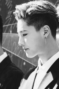 Cho Seung Yeon 조승연 || Luizy ||  Uniq || 1996 || 180cm || Rapper || Vocal