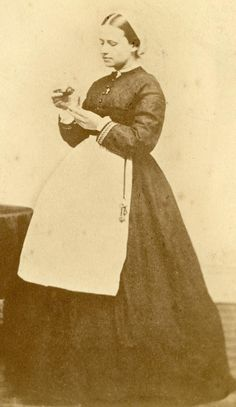 The Civil War Parlor Civil War Nurse Sarah Low In Uniform Sarah Low was a well-known Civil War nurse who worked caring for wounded and ill Union soldiers in Washington, DC for years - Visit to grab an amazing super hero shirt now on sale! Vintage Photographs, Vintage Photos, Antique Pictures, Daughter Of The Regiment, Civil War Books, Vintage Nurse, Civil War Photos, Historical Pictures, American Civil War