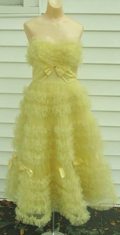 Copious: Vintage 1950s Strapless Yellow Tulle Ball Gown Cocktail Party Wedding Dress 2 4