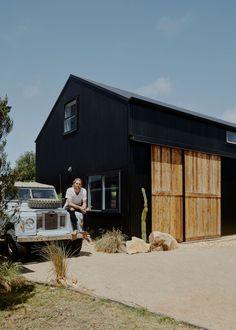 Black Shed, Black Barn, Black House, Australian Sheds, Australian Homes, House Cladding, Modern Barn House, Phillips Island, Barns Sheds
