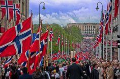 17 mai, Karl Johans Gate, Oslo by Natalia Eriksson, via Flickr