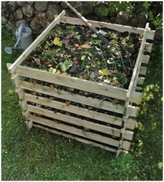 44 Free DIY Compost Bin and Tumbler Plans for Gardeners – Create perfect compost and bountiful gardens with the help of these free, do-it-yourself project plans.