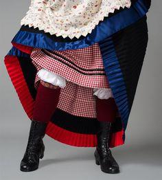 Relatert bilde Undergarment layering reference only Folk Costume, Costumes, Traditional Dresses, Mittens, Norway, Baby Car Seats, Folk Art, Scandinavian, Textiles