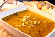 Sopa Picante de Frango e Salsão