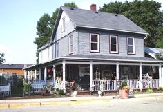 Three Oaks Cottage....Antiques and primative furnishings and home decor.  My second favorite store in Waynesville