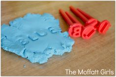 Stamping SIGHT WORDS! Check out this post for some FUN, hands-on ideas for READING!