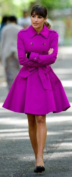 Lea Michele Street Style purple trench with full skirt! Amazing street fashion for fall! Fashion Mode, Look Fashion, Winter Fashion, Fashion Outfits, Womens Fashion, Fashion Spring, Street Fashion, Fashion News, Glee Fashion