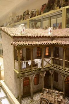 1 million+ Stunning Free Images to Use Anywhere Fontanini Nativity, Diy Nativity, Paper Doll House, Paper Houses, Dollhouse Kits, Dollhouse Miniatures, Mud House, Free To Use Images, Ceramic Houses