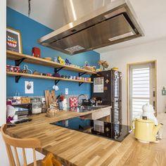ダイニングテーブルも兼ねたオリジナルのコの字型のカウンターキッチン。 | キッチンが主役の北欧風なおうち