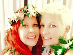 B 52s Kate Pierson Weds Longtime Partner Monica Coleman In Fairytale Hawaiian Ceremony