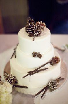amazing wedding cakes | Amazing Cakes For Your Winter Wedding | Weddingomania