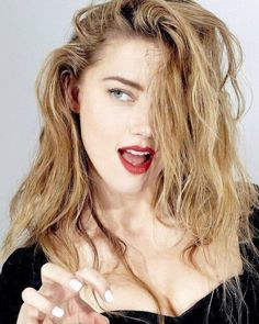 Amber Heard__+____________________U want trouble?____+____I don't think ur r… Best Picture For Beautiful Celebrities hair For Your Taste You are looking Beautiful Celebrities, Beautiful Actresses, Beautiful Women, Beautiful Gorgeous, Fall Hair Colors, Cool Hair Color, Atriz Margot Robbie, Amber Heard Hot, Amber Heard Bikini