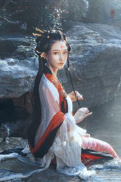 Asian Photography, Fantasy Photography, Mermaid Man, Chica Fantasy, Mermaids And Mermen, China Girl, Traditional Fashion, Poses, Chinese Culture