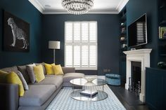 New living room paint colora ideas grey shades Ideas Navy Living Rooms, New Living Room, Living Area, Living Room Decor Blue, Navy Blue Rooms, Front Room Decor, London Living Room, Navy Blue Walls, Dark Blue Living Room