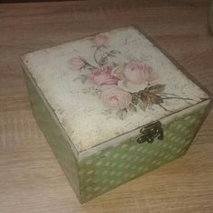 Decoupage shabby chick roses jewelry box