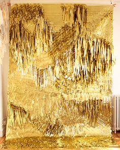 GOLD CONFETTI SYSTEM