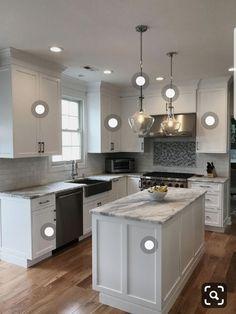 Kitchen On A Budget, Home Decor Kitchen, New Kitchen, Kitchen Ideas, 1960s Kitchen, Closed Kitchen, Awesome Kitchen, Beautiful Kitchen, Kitchen Inspiration