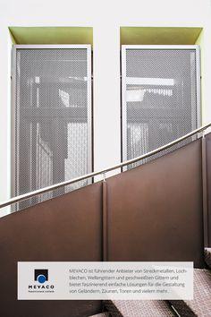 Architekt Mario Piaser setzte bei einer italienischen Polizeiwache Lochbleche  ein, um die Fester und Türen einbruch- und schusssicher zu machen. Sicherheit und Design müssen sich also nicht widersprechen. Mehr unter http://www.mevaco.de/fascination-6  #MEVACO #Lochblech #Stahl #Außenanlage #FaszinationNo6