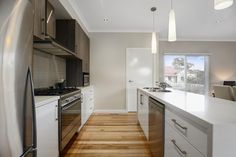 Get best Kitchen Cabinets near Yarra Junction then contact Starlight Cabinets