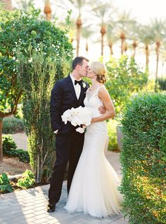 Classic + elegant Scottsdale wedding: http://www.stylemepretty.com/arizona-weddings/scottsdale/2016/05/19/this-baseball-player-groom-and-his-bride-hit-a-home-run-with-their-gilded-wedding/ | Photography: Elyse Hall - http://elysehall.com/