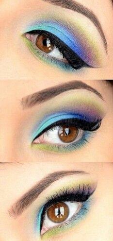 Blues eyeshadow makeup