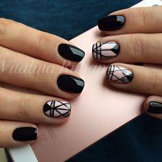 Nail art geometrique noir et rose poudré